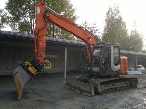 HITACHI ZAXIS 135 US